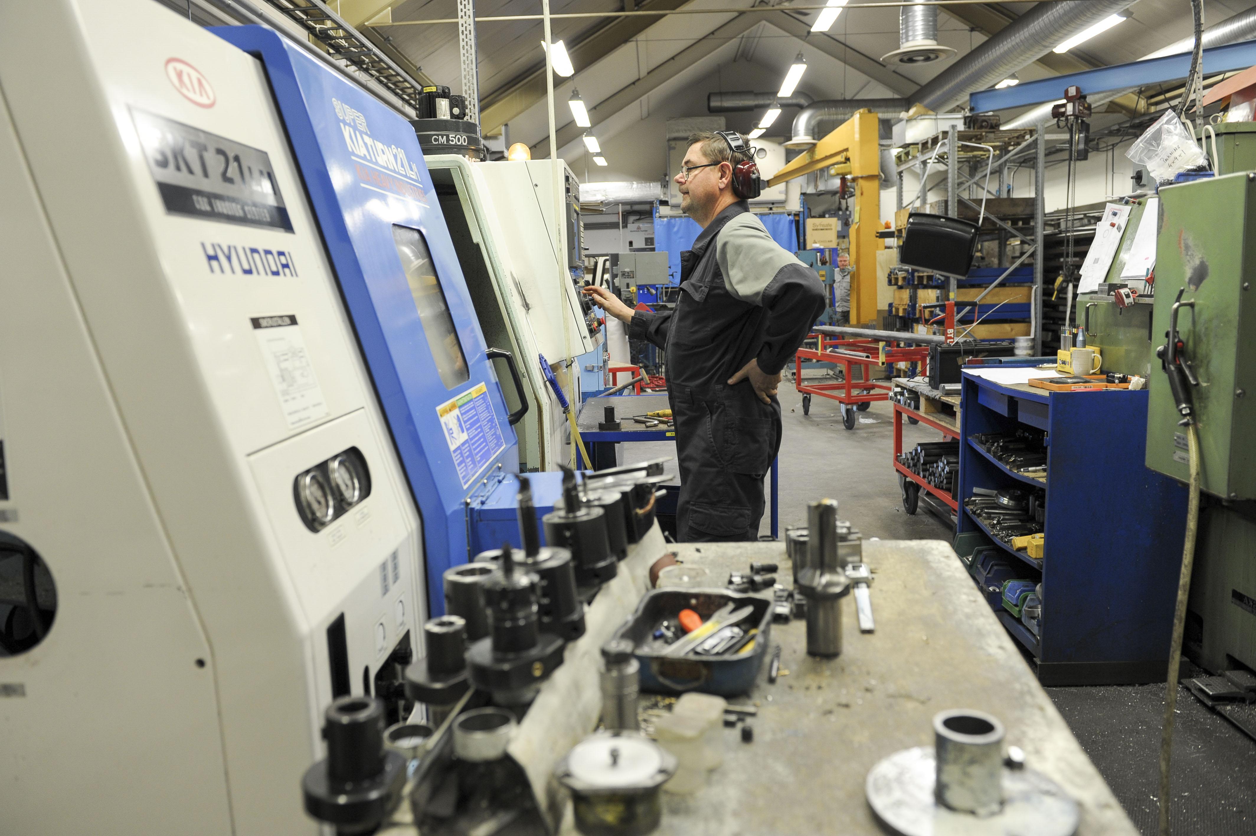 CNC-svarvning och CNC-fräsning